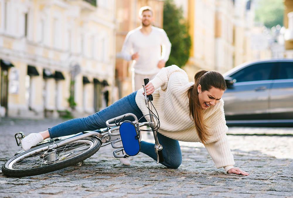 przyczyny urazu wiezadel nadgarstka