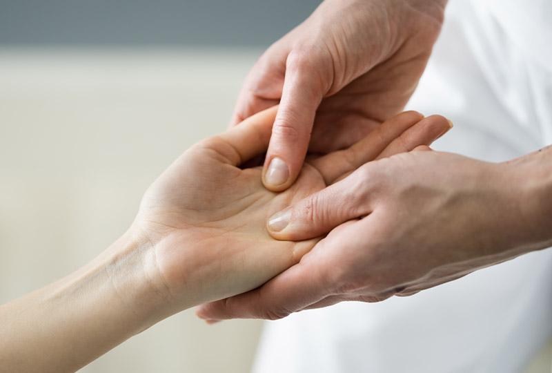 fizjoterapia dloni i nadgarstka