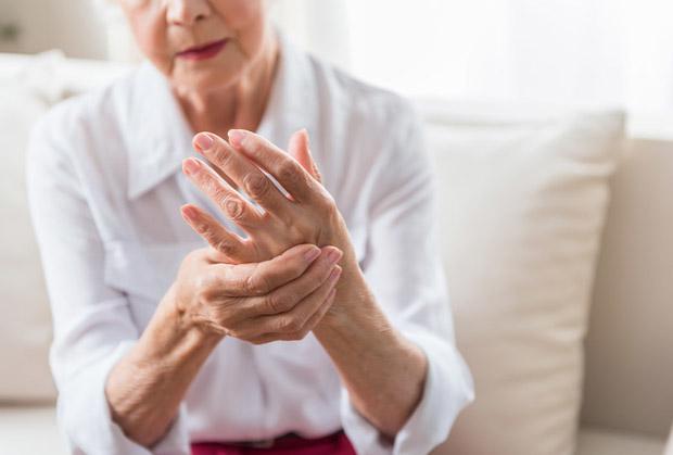 palec zatrzaskujacy objawy leczenie