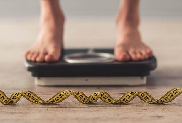 rozciegno podeszwowe nadwaga